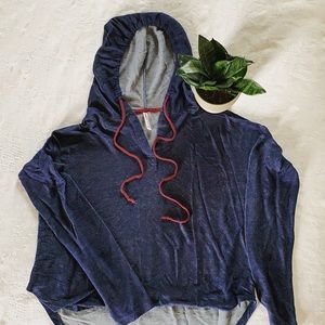 Tops - Super cute high low light weight shirt with a hood